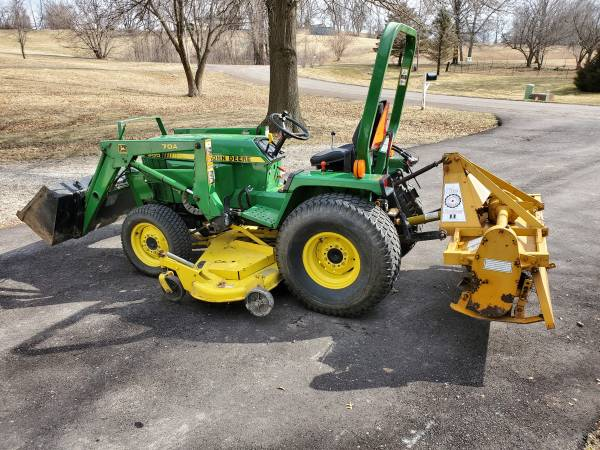 Photo John Deere 955 Compact Utility Tractor, Loader, Mower, Rototiller - $14875 (Agency)
