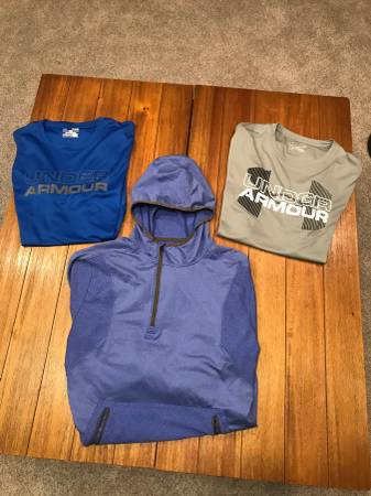 Photo Mens XL Under Armour Shirts - $20 (SW Omaha)