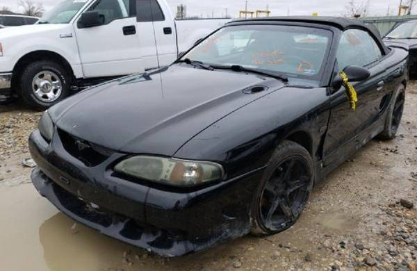 Photo Parting 1998 Ford Mustang GT Saleen Ground Effects - $50 (Lawrence)