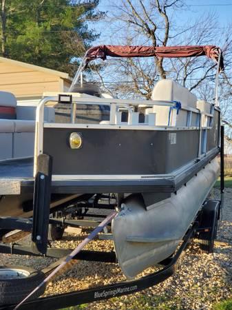 Photo Sale pending Pontoon boat - $16,500 (Topeka)