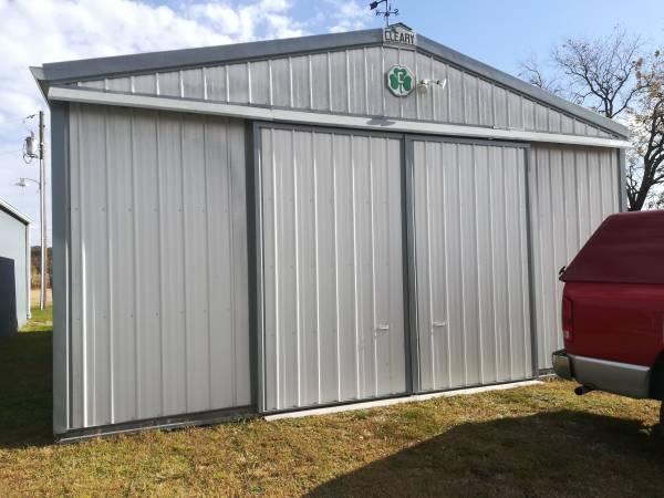 Photo Sliding barn doors 1039 tall 1239wide - $500 (Amazonia)
