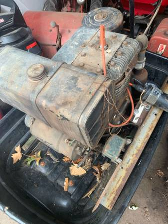 Photo 10.5 HP Briggs and Stratton Horizontal Shaft Engine 120 OBO - $120