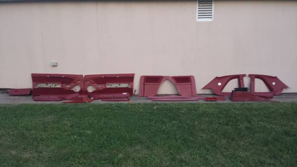 Photo 1987 - 1988 Ford Thunderbird Turbo Coupe  red interior - $400 (south Saint Louis county)