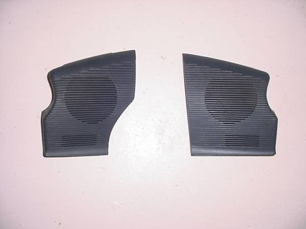 Photo 1987 - 1993 Ford Mustang  speaker grills for dashboard - $60 (Cedar Hill)
