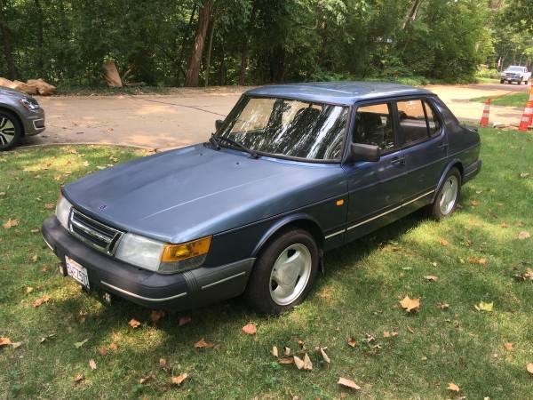 Photo 1993 Saab 900 S Sedan - $5,800 (Kirkwood)