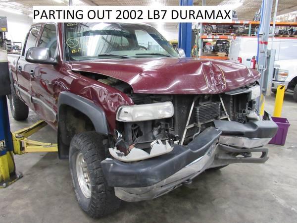 Photo 2002 Chevy Silverado 2500HD 4x4 6.6L Duramax PARTING OUT (Hazelwood)