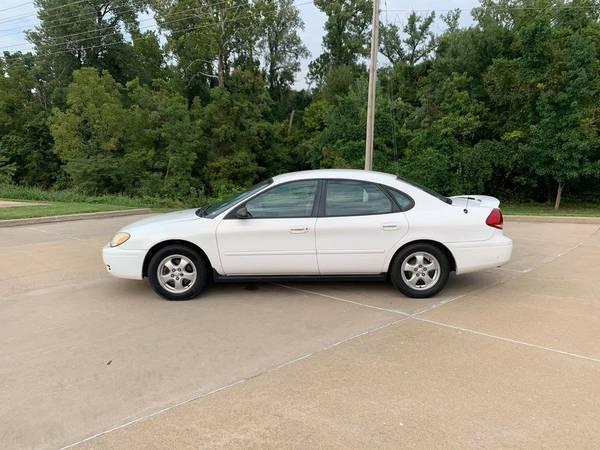 Photo 2006 Ford Taurus SE LOW MILES $1000 DOWN U-DRIVE Full inspection (ofallon mo - 100 GUARANTEED FINANCING)