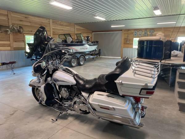Photo 2006 Harley Davidson Tour Glide - $8,000