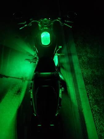 Photo 2012 Harley V-rod 10th Anniversary Motorcycle - $8,700 (hawk point)
