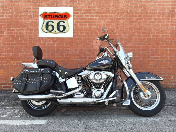 Photo 2013 Harley Davidson Heritage Softail Classic FLSTC - $9,999 (O39Fallon)