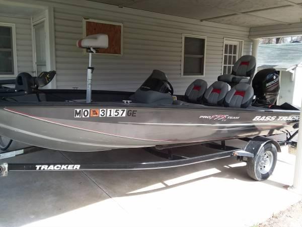 Photo 2014 Bass Tracker Pro Team 175TF - $14,200 (OFALLON)