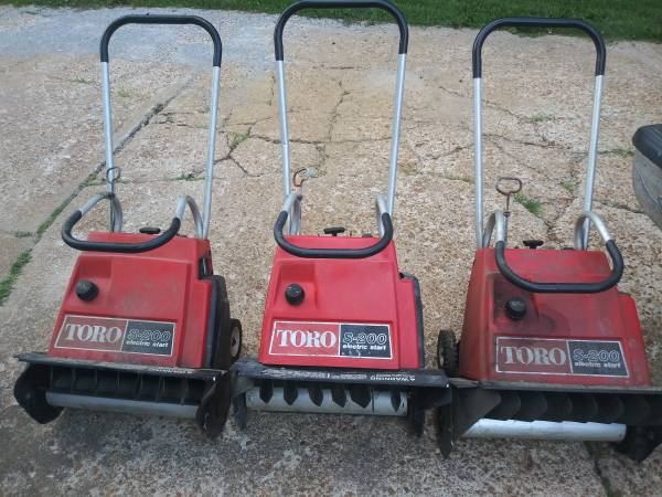 Photo 3 TORO SNOW BLOWERS - $100 (SAINT LOUIS)