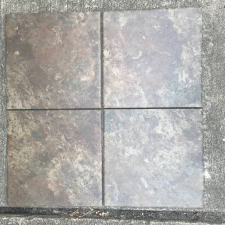 Photo 52 sq ft 12x12 ceramic tile - $20 (Granite City, IL)