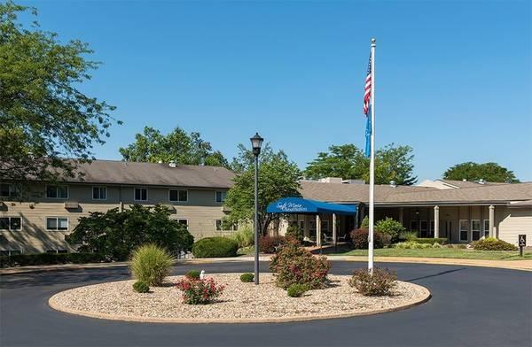 Photo Air Conditioner, On-Site Beauty Salon, 24-Hour Laundry Center (12565 Santa Maria Court, Hazelwood, MO)