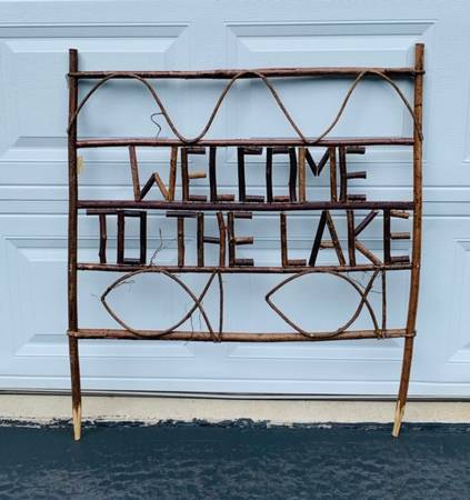 Photo FOR SALE - quotWELCOME TO THE LAKEquot SIGN - $65 (WENTZVILLE)
