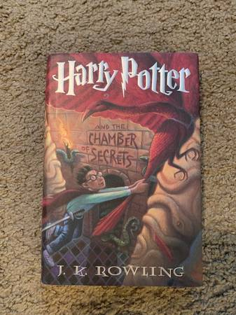 Photo Harry Potter and the Chamber of Secrets - Book 2 - Original Hardcover - $15 (Downtown St. Louis)
