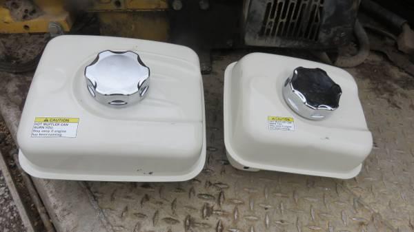 Photo Honda fuel tanks 4.8, 5.5, 9hp new take off with cap - $40 (Staunton, IL)