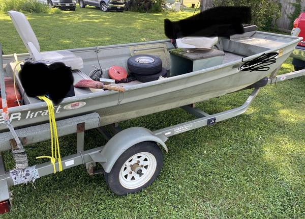 Photo Jon Boat and Trailer - $900 (Fenton)