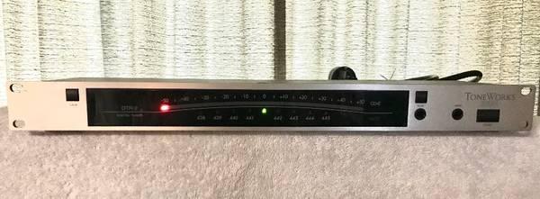Photo Korg DTR-2 Digital Guitar Tuner - $50 (Kirkwood)