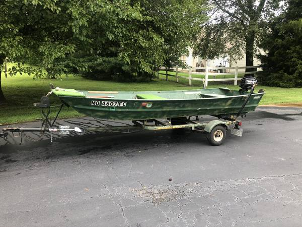 Photo Monark 1439 Jon Boat, Trailer, and Mercury Motor - $1,500 (south county 63129)