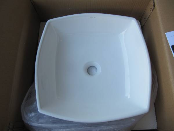 Photo New KRAUS White Flared Square Vessel Bathroom Sink - $70 (OakvilleS.County)