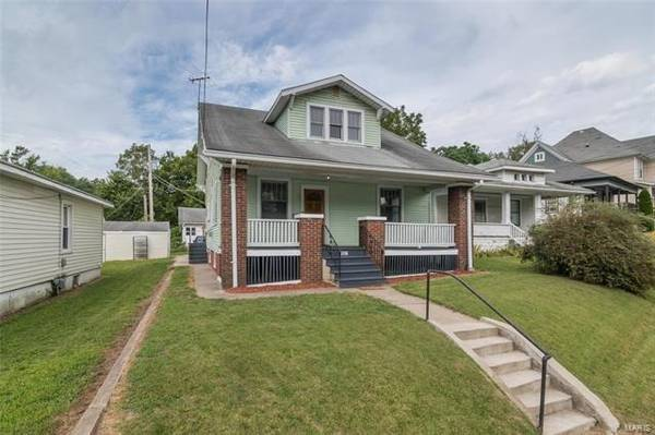Photo Out with the old, in with the new Home in Alton. 4 Beds, 2 Baths (Alton)
