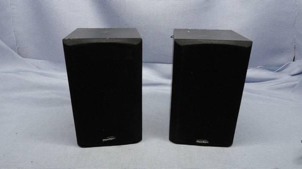 Photo Paradigm Atom Book Shelf Speakers Black Oak. Sounds Great - $100 (U City)