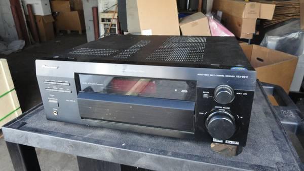 Photo Pioneer VSX-D912-K 300 Watt Home Theater AMFM Amplifier Receiver NICE - $100 (U City)