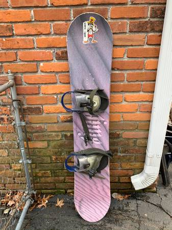 Photo Ride Timeless 145cm Snowboard with bindings - Men39s - $80 (Olivette)