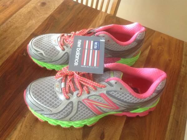 Photo Running shoes - $50 (Weldon Spring,Mo)