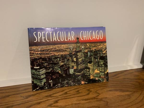 Photo Spectacular Chicago Coffee Table Book - $15 (Frontenac)