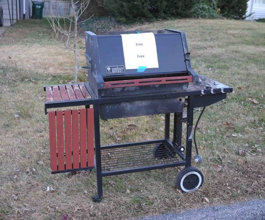 Photo Weber BBQ Grill - Curbalert Free (Webster Groves)