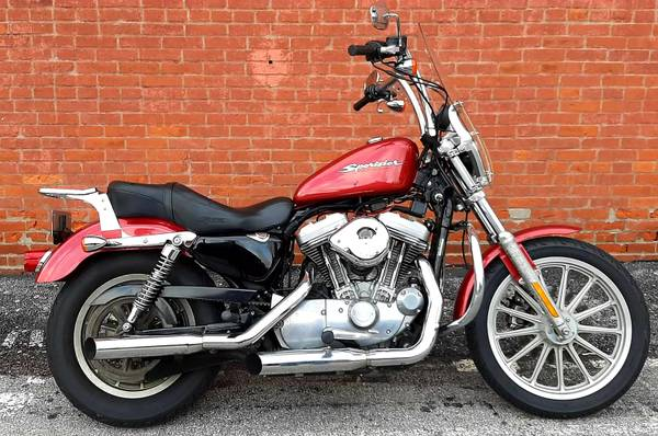 Photo 2005 Harley Davidson Sportster xL 883  - $3,499 (Ofallon)