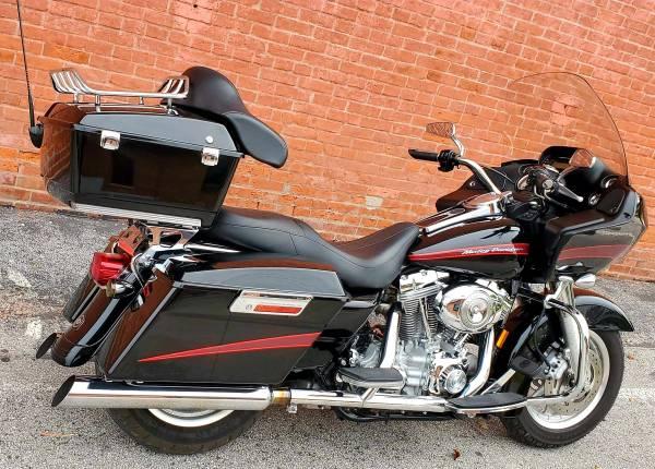 Photo 2007 Harley Davidson Road Glide FLTR  w Detachable Tour Pak - $9,999 (Ofallon)