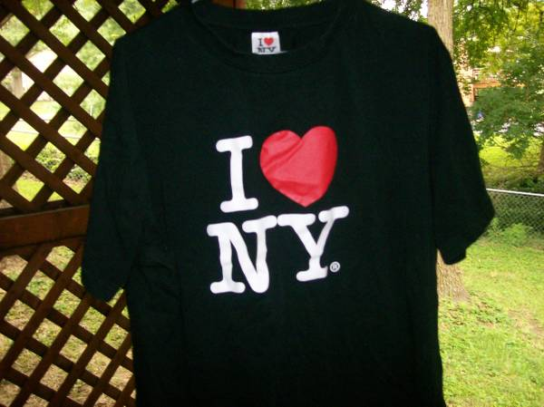 Photo quotI 39Heart39 NY Black T-Shirt - NEW - Size is XL - $5 (St. Louis County)