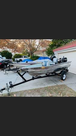 Photo 12ft aluminum valco boat - $3,400 (SACRAMENTO)