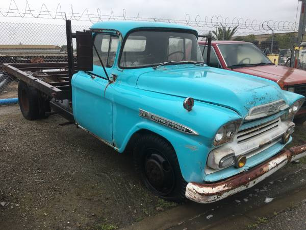 Photo 1959 chevy Apache flatbed truck - $3000 (stk)