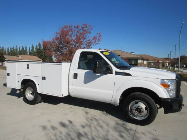 Photo 2015 FORD F350 SUPER DUTY REGULAR CAB  CHASSIS XL UTILITY - $25,995 (2WIN AUTO SALES)
