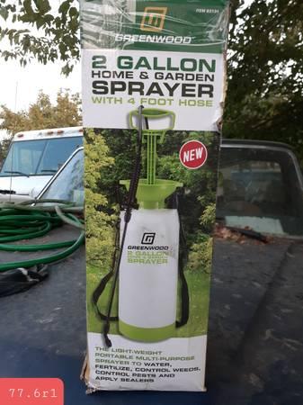 Photo 2 gallon sprayer in good condition - $10 (Stockton)