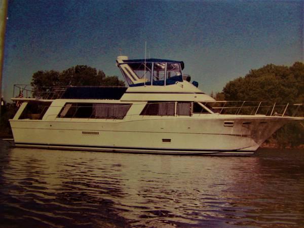 Photo 52 ft. Bluewater Motoryacht - $49,999 (Stockton)