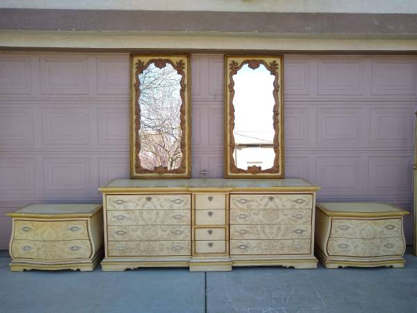 Photo French Provincial Wood Cream Dresser Bedroom Set with Mirrors Recamara - $345 (Patterson)
