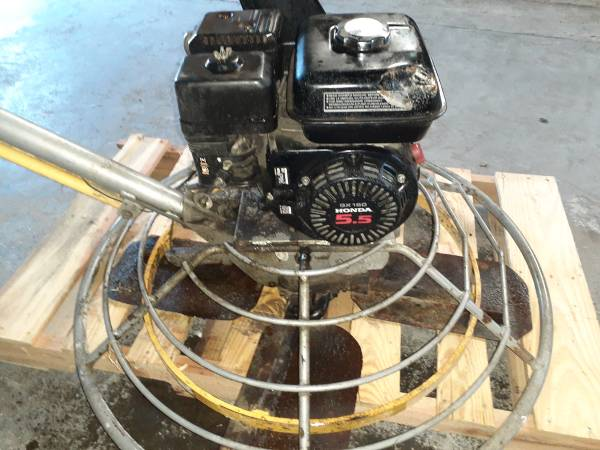 Photo Honda concrete trowel finishing machine - $750 (Stockton)