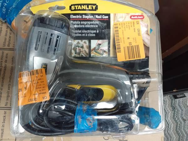 Photo Stanley electric stapler and nail gun - $15 (Stockton)