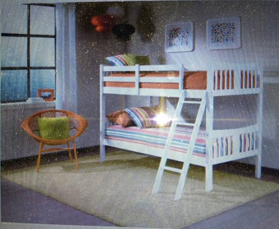 Photo Storkcraft White Twin over Twin Wood Bunk Bed - $250 (Stockton)