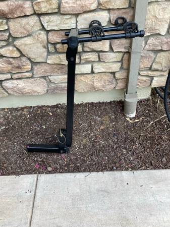 Photo Thule 2 bike rack - $100 (Tracy)