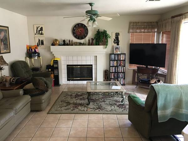 Photo Two Rooms for Rent (Manteca, Ca)
