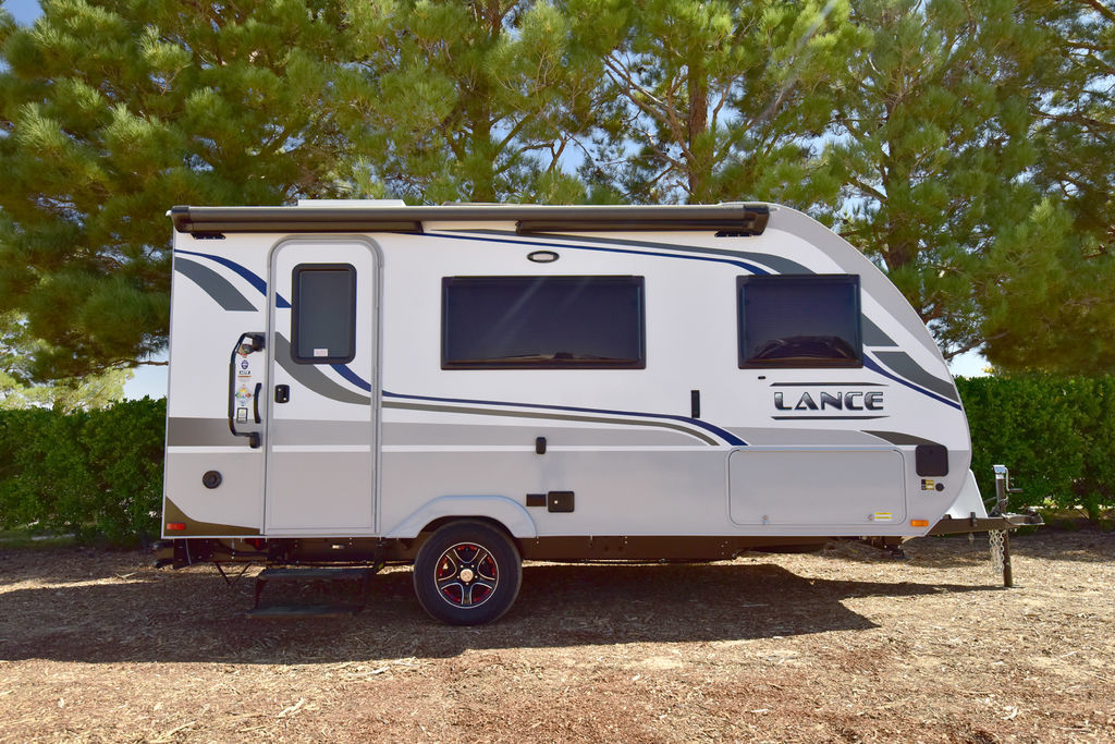 Photo 2021 Lance Travel Trailer 5000 Pounds Tow Rating 2075 $ 61328