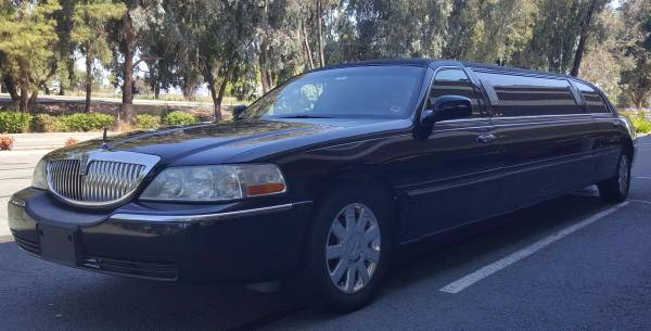 Photo 2004 Lincoln Towncar Limo $$ Best Offer - $5,700 (Reno  Tahoe Truckee)