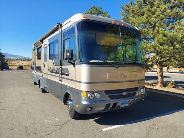 Photo 2004 Safari Trek Motor Coach - $28,600 (Reno)