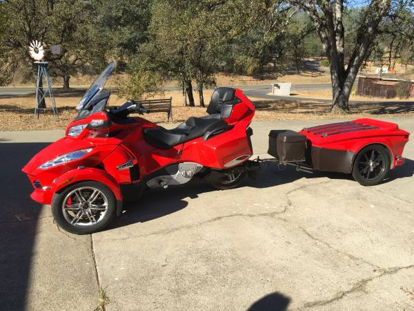 Photo 2011 CAN AM SPYDER AND TRAILER - $14,500 (Redding)
